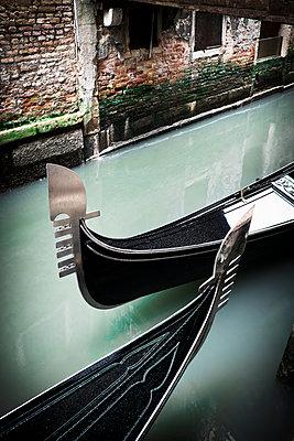 Venezianische Gondeln - p1149m1332996 von Yvonne Röder