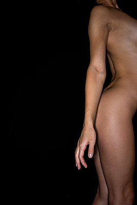 Naked woman - p427m2082056 by R. Mohr