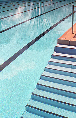 Schwimmbad in Bayern - p4470269 von Anja Lubitz