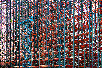 Constructing high rack storehouse - p719m1333202 by Rudi Sebastian