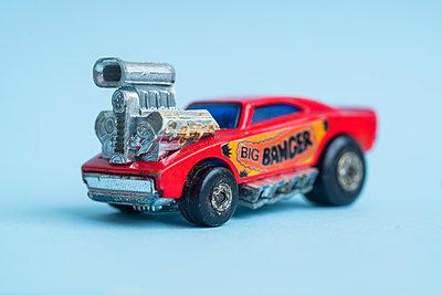Miniature car - p427m2092667 by Ralf Mohr