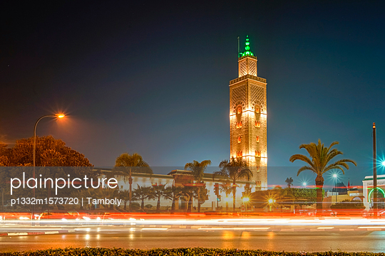 Assounna Ave Tachfin Mosque at night  - p1332m1573720 by Tamboly
