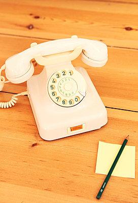 Retro phone - p045m813514 by Jasmin Sander