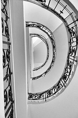 Wendeltreppe mit verziertem Handlauf - p1578m2168759 von Marcus Hammerschmitt