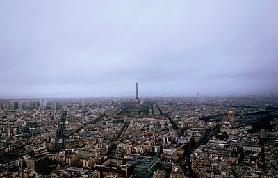 View of Paris - p991m1208105 by Metin Fejzula