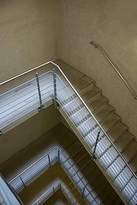 Treppen - p427m1072735 von R. Mohr