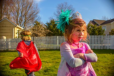 Children in costumes sulking after fight - p924m1067412f by Sue Barr