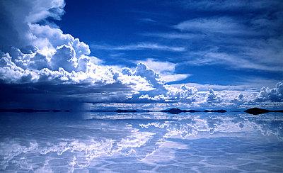 Salar de Uyuni - p974m661421 von Volker Banken