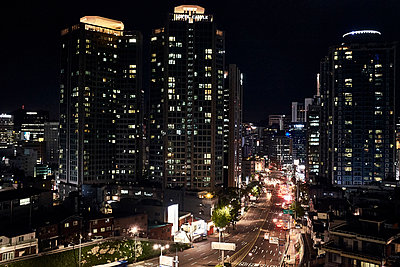 Korea, Seoul at night - p1492m2223615 by Leopold Fiala