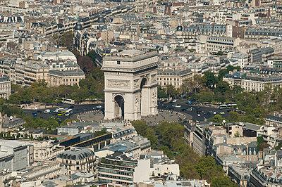 Arc de Triomphe - p178m792348 by owi