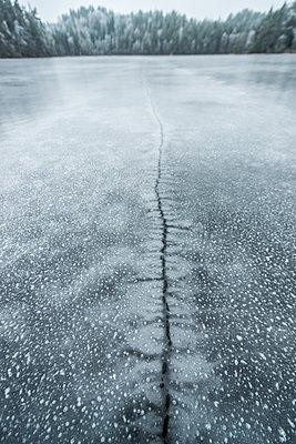 Frozen lake - p312m1495797 by Fredrik Schlyter