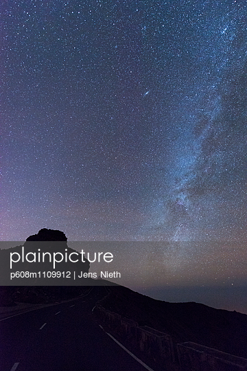 Light pollution - p608m1109912 by Jens Nieth