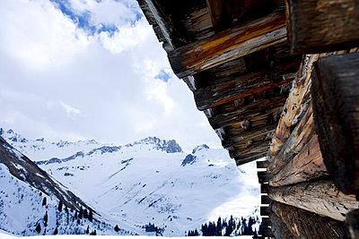 Ski Lodge - p2480700 by BY