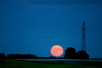Full moon - p312m1470959 by Depiction AB