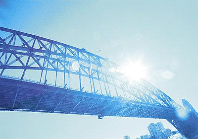 Sydney Bridge - p1072m830404 by Martin Ward