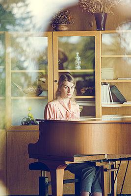 Klavier spielen - p904m1133702 von Stefanie Päffgen
