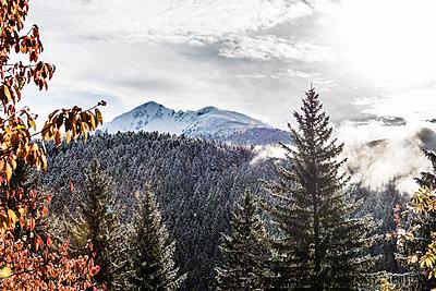 Winteranfang, Südtirol - p488m1087597 von Bias