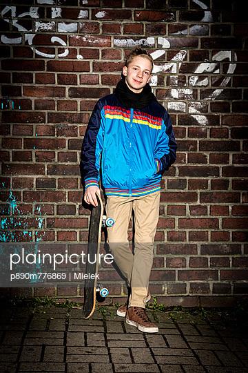 Skateboard - p890m776869 von Mielek