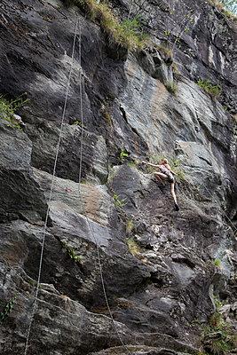 Klettern - p781m2038029 von Angela Franke