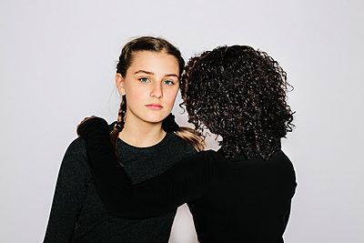 Zwei Mädchen  - p1621m2231920 von Anke Doerschlen
