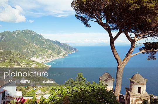 Blick auf Golf von Salerno - p432m1149578 von mia takahara