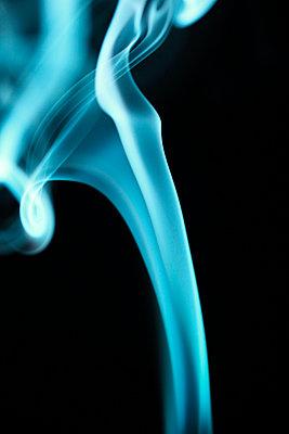 Rauchformen - p179m741597 von Roland Schneider