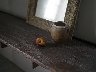 Alter Apfel - p945m2022641 von aurelia frey