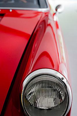 Roter Porsche - p177m988980 von Kirsten Nijhof