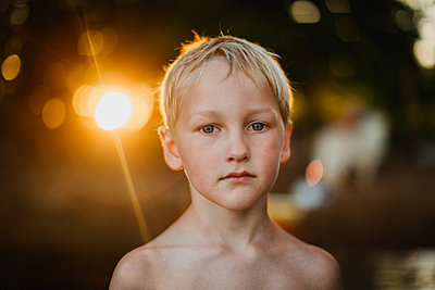 Portrait of boy looking at camera - p312m2200061 by Lisa Wikstrand