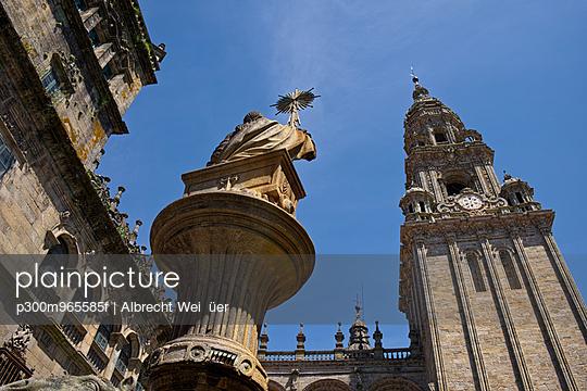 Spain, Santiago de Compostela, The Way of St James,Plaza de Praterias and Cathedral - p300m965585f by Albrecht Wei√üer