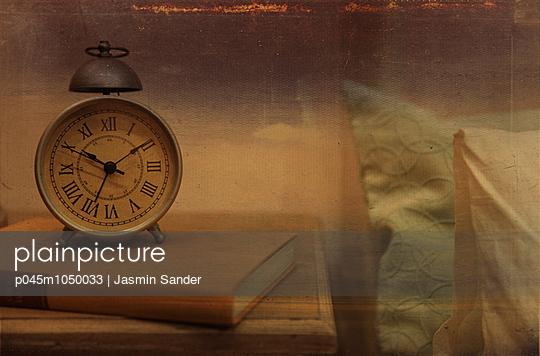 Retro-Wecker - p045m1050033 von Jasmin Sander