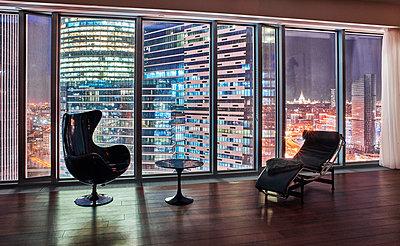 Luxuswohnung in einem Wolkenkratzer  - p390m1582806 von Frank Herfort