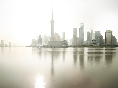 Huangpu - p1217m1090648 by Andreas Koslowski
