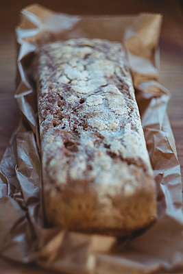 Close-up of baked bread - p1315m1229910 by Wavebreak
