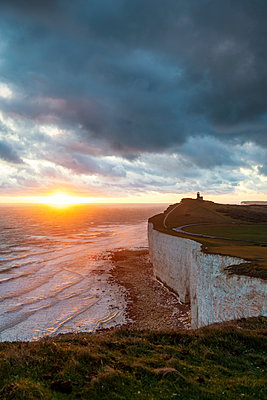 Belle Tout lighthouse, Beachy Head, Eastbourne, East Sussex, England, UK - p651m2152289 by Andrea Comi