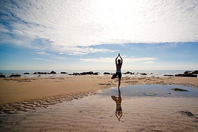 Yoga - p6691677 by Julian Winslow