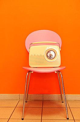 Retroradio - p045m813663 von Jasmin Sander