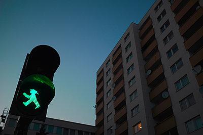 Crosswalk signal - p676m1104532 by Rupert Warren