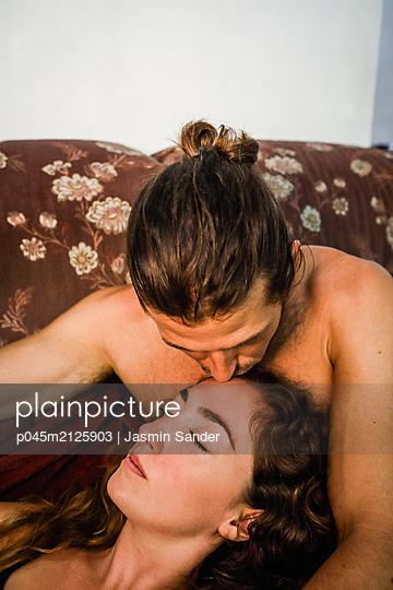 p045m2125903 by Jasmin Sander