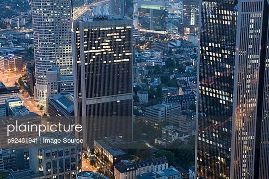 Frankfurt office blocks - p9248194f by Image Source