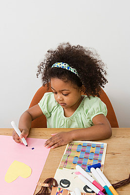 A girl drawing - p9248728f by Image Source