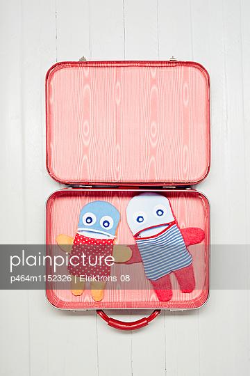 Koffer packen - p464m1152326 von Elektrons 08