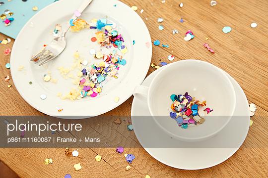 Nach der Feier - p981m1160087 von Franke + Mans