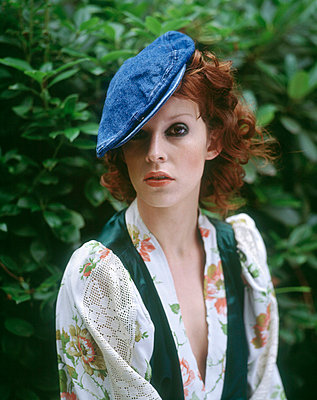 Woman wearing a hat - p6910032 by H. Witt