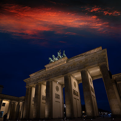 Brandenburg Gate - p1038m1514990 by BlueHouseProject