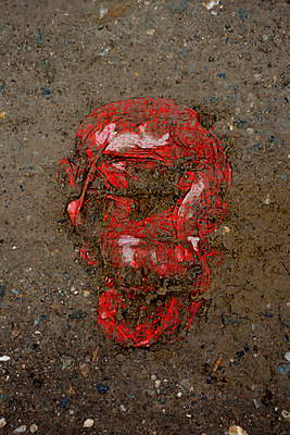 red plastic bag head - p876m2181926 by ganguin