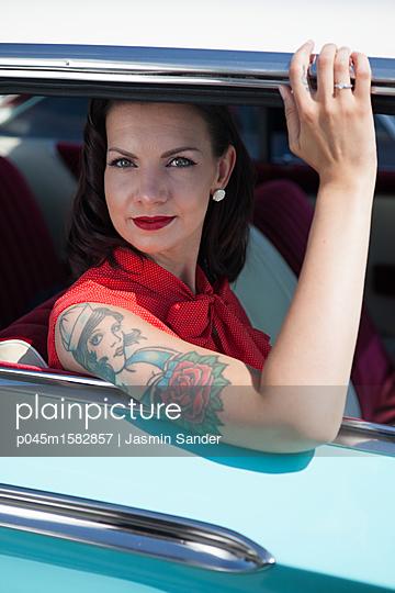 Schönheit auf Tour - p045m1582857 von Jasmin Sander