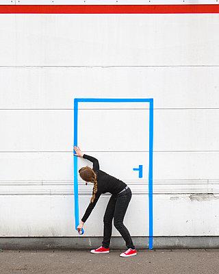 Wohin kommt die Tür? - p1078m2127013 von Frauke Thielking