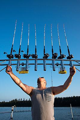Fischer mit mehreren Angeln - p1241m1486915 von Topi Ylä-Mononen