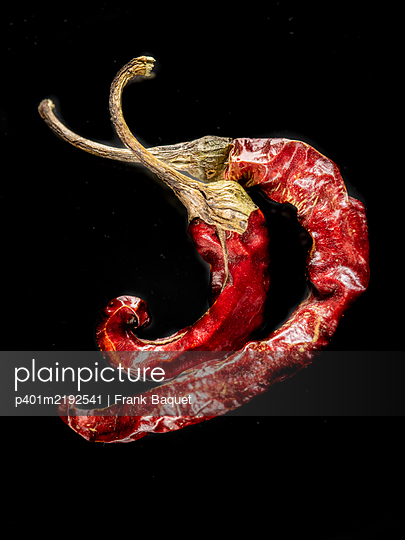 Dried chilli pepper - p401m2192541 by Frank Baquet